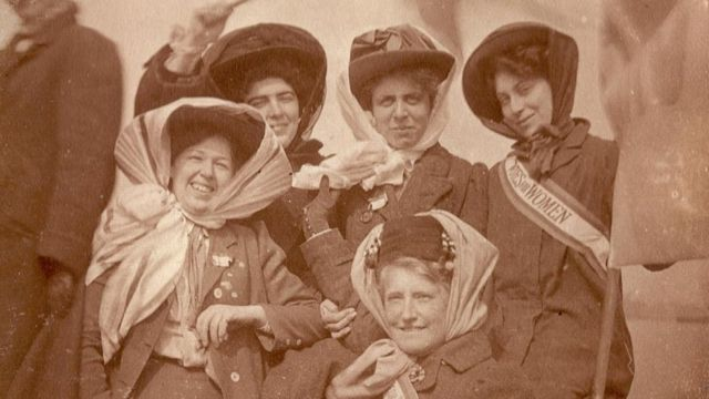 Vera Holme with fellow suffragettes (c. 1910)