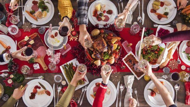 크리스마스에 사람들은 평균 6000칼로리를 섭취한다