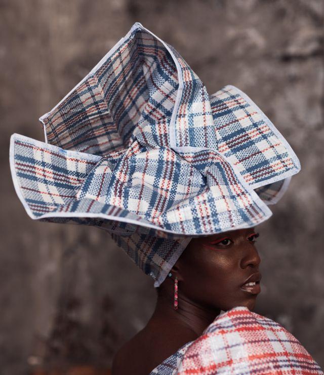 Mannequin portant Ghana Must Go