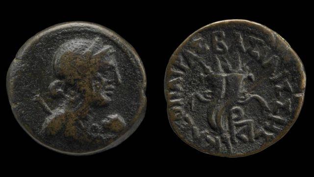 Moeda com imagem de Cleópatra