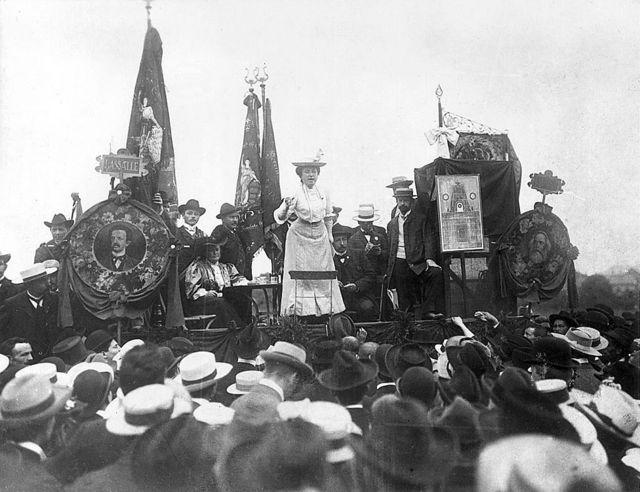 """Rosa Luxemburgo: la brutal ejecución de """"la Rosa Roja"""" a manos de los  despiadados freikorps alemanes hace 100 años - BBC News Mundo"""