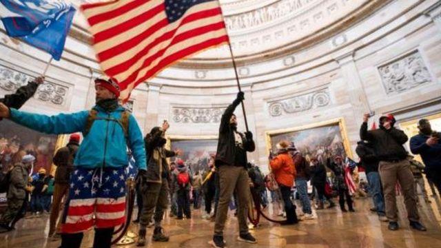 Trump göstericileri 'savaşmaya' çağırarak olayları kışkırtmakla suçlanıyor