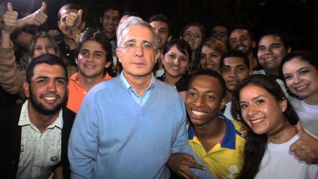 "Álvaro Uribe celebra el triunfo del ""No"""
