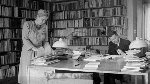 Gunnar y Alva Myrdal en el estudio de su casa