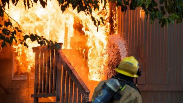 Nhiều đám cháy bùng phát do rò rỉ khí ga sau động đất