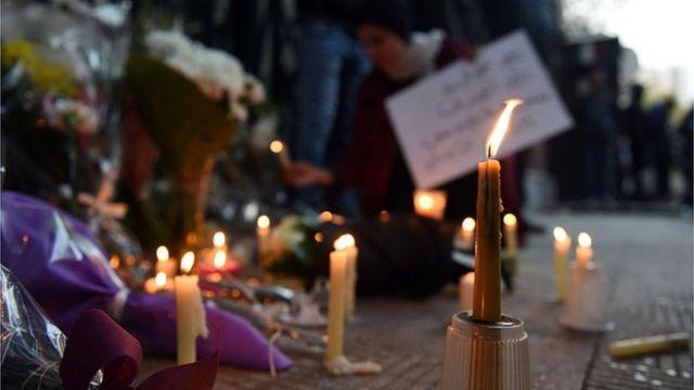 وقفة بالشموع أمام السفارة الإيطالية بالقاهرة بعد مقتل ريجيني