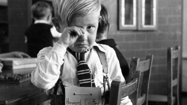 Маленький мальчик в частной школе