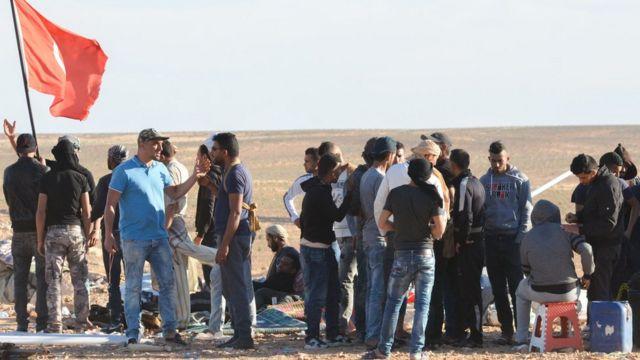 عاطلين عن العمل معتصمون في الكامور في الجنوب التونسي