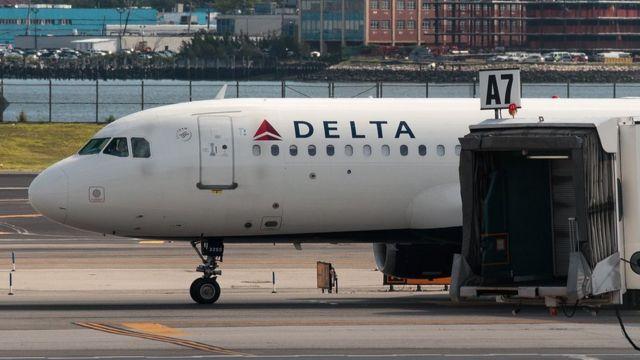 Самолет Delta