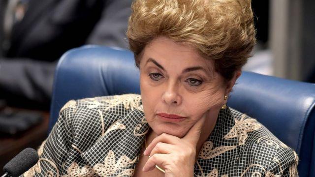 Dilma Rousseff durante seu julgamento no Senado