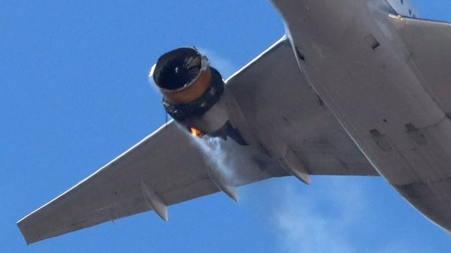 Insiden pesawat di Denver