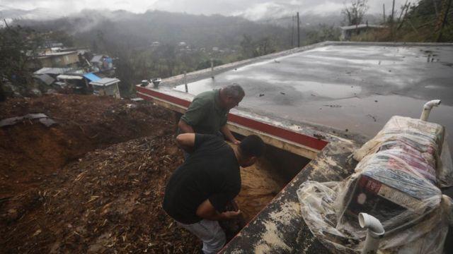 Destrucción de casas en Puerto Rico tras el paso del huracán María.