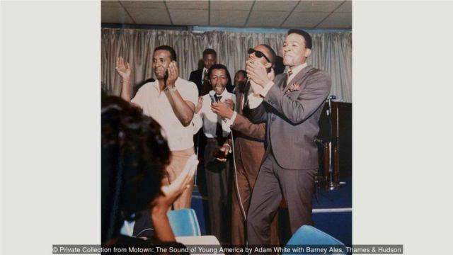 1964年,旺德和盖伊在底特律一家夜总会。