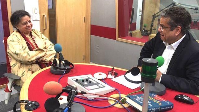 कुमकुम चड्ढा के साथ बीबीसी स्टूडियो में रेहान फ़ज़ल
