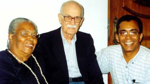 Ruth Guimarães com o crítico literário Antônio Cândido e o jornalista Joaquim Botelho