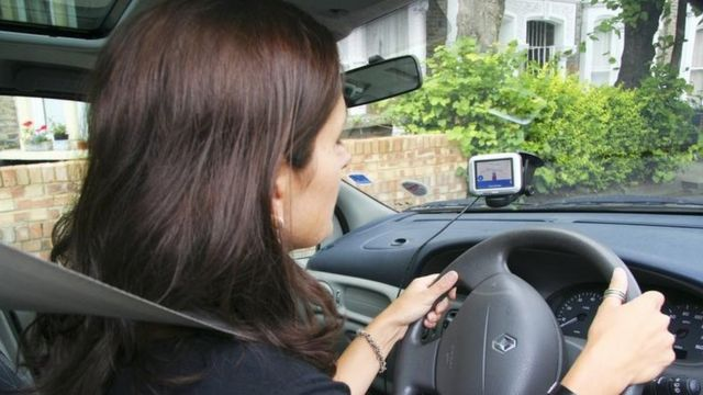 Ministers 'consider night ban for young drivers'