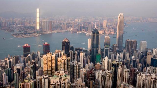 Названы самые дорогие города мира для жизни в 2020-ом
