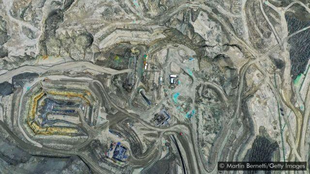 Estradas ao redor da mina de cobre chilena