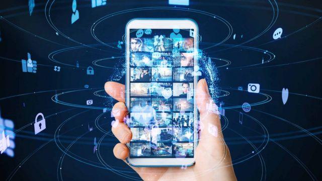 Telephone et touches reseaux sociaux