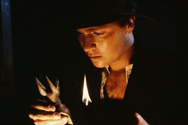 """Актер Шон Патрик Фланери в главной роли в первом эпизоде телесериала """"Хроники молодого Индианы Джонса"""". 1992 г."""