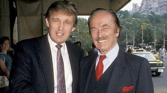 دونالد و پدرش، فرد ترامپ، بیرون پلازا هتل، ۱۹۸۸