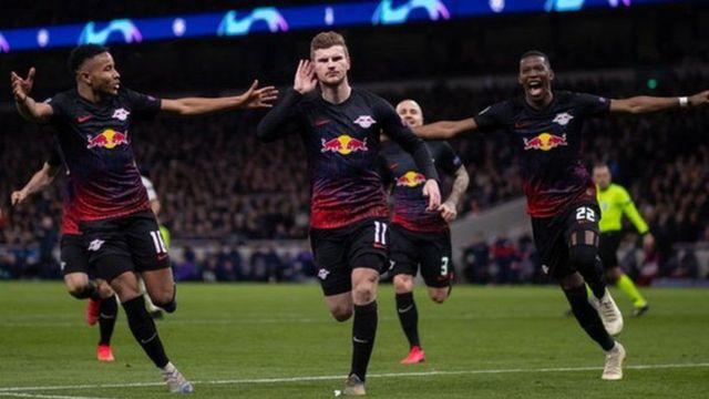 Werner, katikati, akifunga bao baadaya kupata penalti dhidi ya Tottenham
