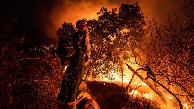 الحرائق تسببت في قتل 36 شخصا على الأقل منذ أوائل أغسطس/آب.
