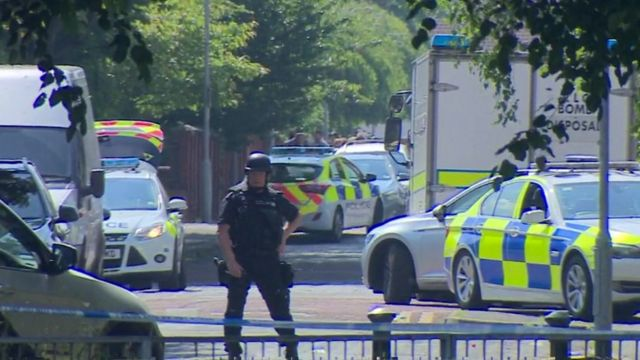 Bomb unit sent to Manchester college