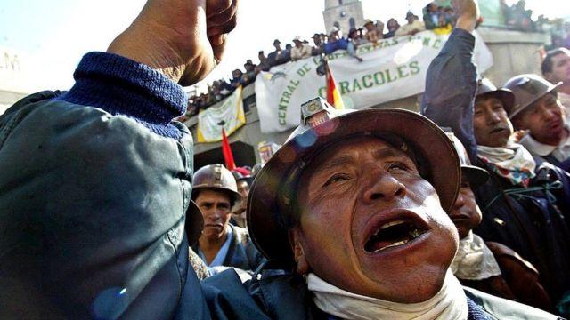 Mineros bolivianos protestando en 2003