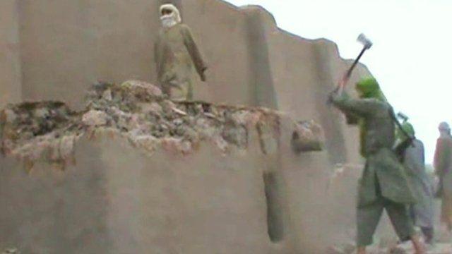 Destruction of Timbuktu religious monument