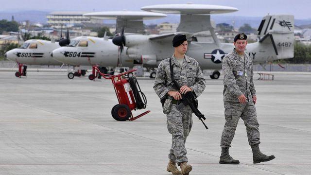 Militares estadounidenses en la base de Manta.