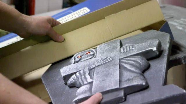 장식품 상자 속에서 발견된 편지
