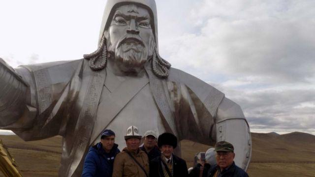 Белгилүү окумуштуу филология илимдеринин доктору, профессор Сыртбай Мусаевдин Монголия сапары тууралуу баяндамаларын сунуштайбыз.