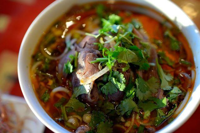 वियतनाम का लोकप्रिय सूप बो ह्यु