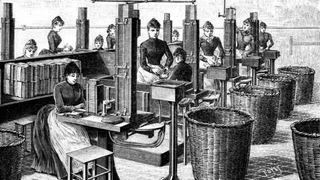 Mujeres trabajando en fábrica de fósforos