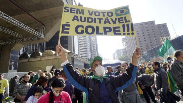 Manifestantes em protesto de apoio ao presidente Jair Bolsonaro e pelo voto impresso. São Paulo, agosto de 2021