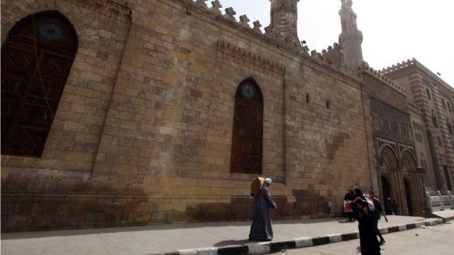 الجامع الأزهر وسط القاهرة