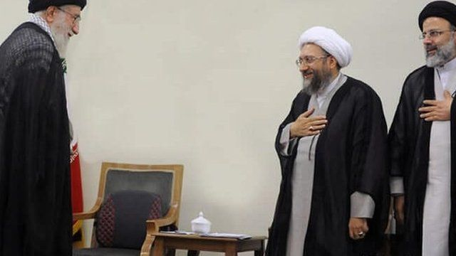 علی خامنه ای، صادق لاریجانی و ابراهیم رئیسی