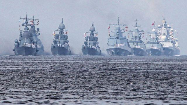 2019年7月28日,俄羅斯海軍戰艦列隊接受年度海軍日海上閲兵