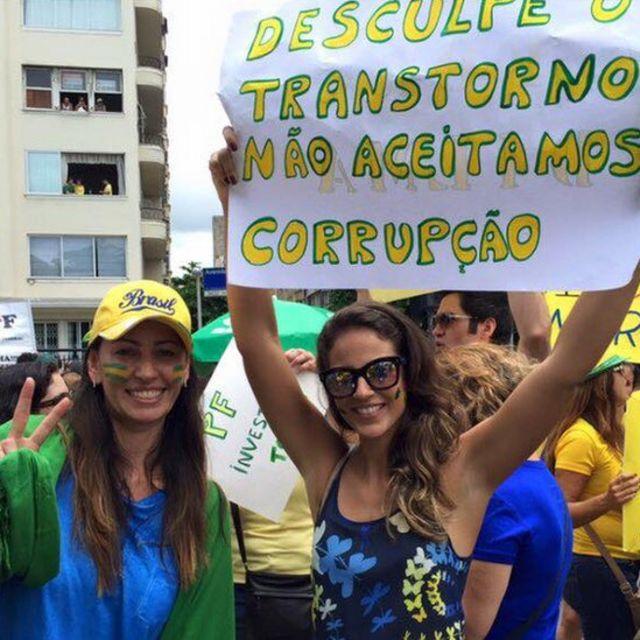 Ana Paula em protesto