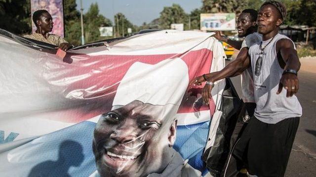 La Gambie traverse une crise électorale depuis que le président sortant Yahya Jammeh a annoncé le 9 décembre qu'il ne reconnaissait plus sa défaite au scrutin du 1er décembre