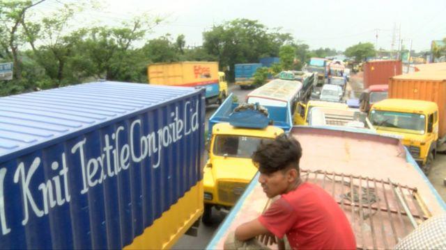 ঢাকা-চট্টগ্রাম মহাসড়কে যানজট।