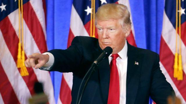 Zababben shugaban Amurka Donald Trump a taron manema labarai na ranar 11 ga watan Janairru.