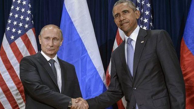 """M. Poutine a dénoncé de """"nouvelles mesures inamicales"""" prises par l'administration de Barack Obama, en les qualifiant de """"provocatrices"""" et visant à """"miner davantage les relations russo-américaines""""."""