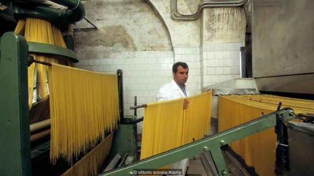 Năm 2013, pasta của Gragnano được EU chỉ định là một Chỉ Dẫn Địa Lý Được Bảo Vệ.