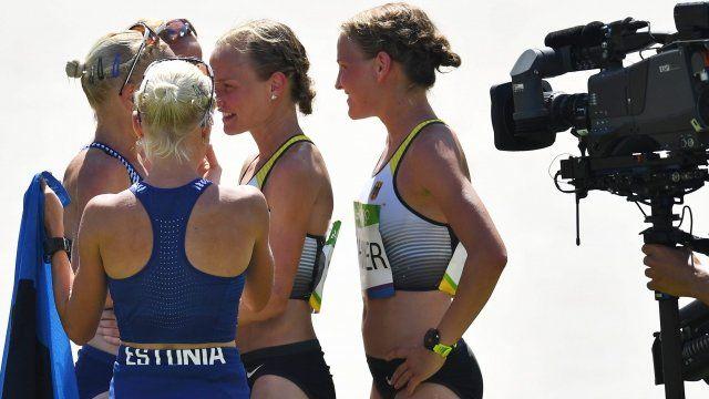 Las gemelas alemanas compartieron el protagonismo extradeportivo de la maratón con las trillizas de Estonia.