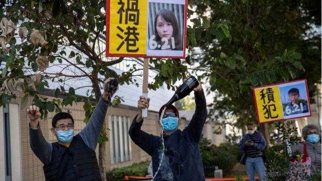 亲北京人士指责黄之锋、周庭等人祸港。
