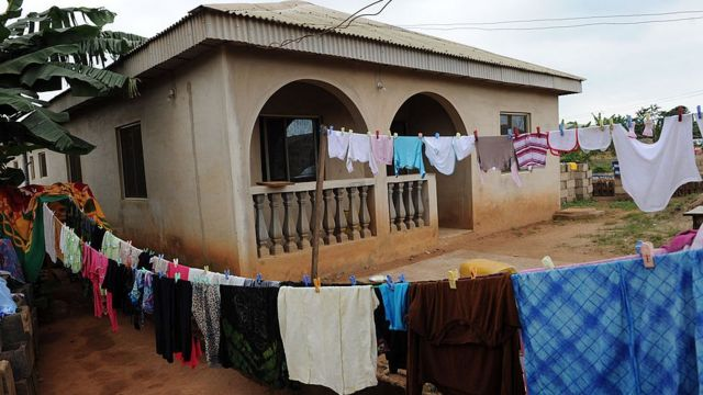 House near Redemption Camp for Ogun State wit clothes wey dem spready for im front