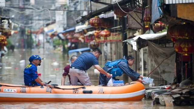 Billion people face global flooding risk by 2060, charity warns