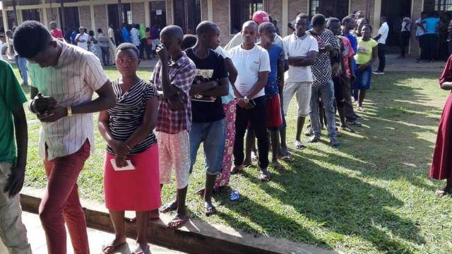 Amatora ya kamarampaka yitabwe cane mu Burundi